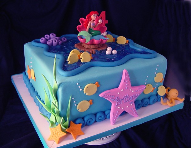 How To Make a Mermaid Birthday Cake For Your Little Girl