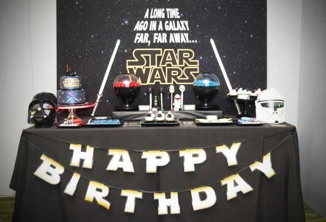 Ideas to throw the best star wars birthday party ever for Decoracion star wars