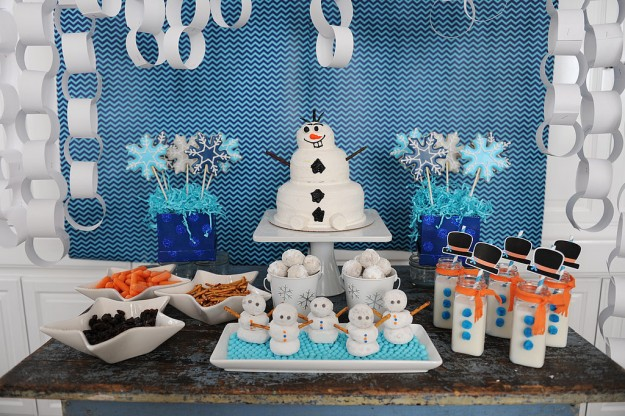 some cute diy ideas for a frozen party birthday songs with names