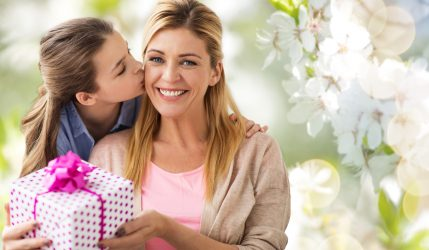 For a Special Mother: 5 Thoughtful Things to Do for Your Mom on Her Birthday